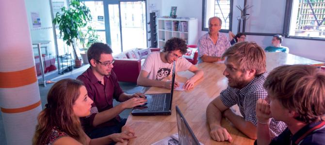Tiers-lieux: nouveaux lieux, nouvelles formes de travail à l'heure du numérique?